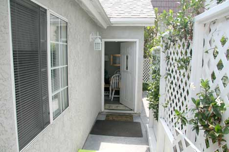 Carlsbad Beach Cottage - Relax and Enjoy the Beach